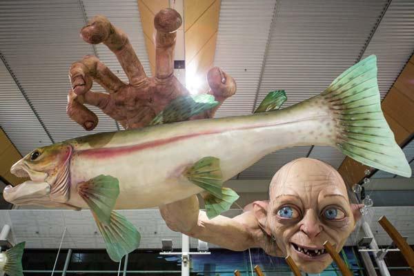 perierga.gr - Εντυπωσιακό γλυπτό στο αεροδρόμιο της Νέας Ζηλανδίας!