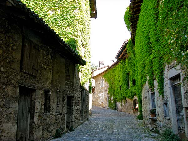 perierga.gr - Perouges, μια μοναδική μεσαιωνική πόλη-φρούριο!