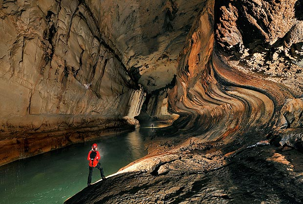 Perierga.gr - Φωτογραφίες από άγνωστα σπήλαια του κόσμου!
