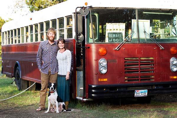 perierga.gr - Η ζωή είναι ωραία μέσα σε ένα λεωφορείο!