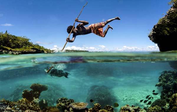 perierga.gr - Οι απίθανοι ψαράδες με καμάκι του Ειρηνικού!