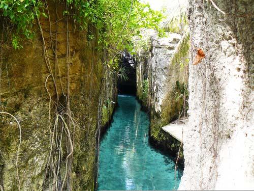 """perierga.gr - Η μαγεία ενός """"υπόγειου"""" ποταμού!"""