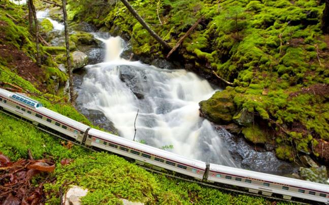Perierga.gr - Eντυπωσιακές διαδρομές με... ένα ιδιαίτερο τρένο!