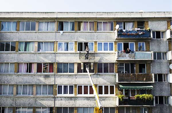 perierga.gr - Νέο trend: Το φορητό μπαλκόνι!