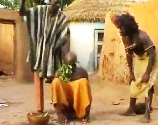 perierga.gr - Έτσι θεραπεύουν τον πονοκέφαλο στη Μοζαμβίκη!