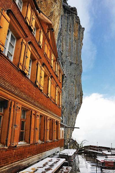 perierga.gr - Aescher Hotel: Το ξενοδοχείο των βράχων!