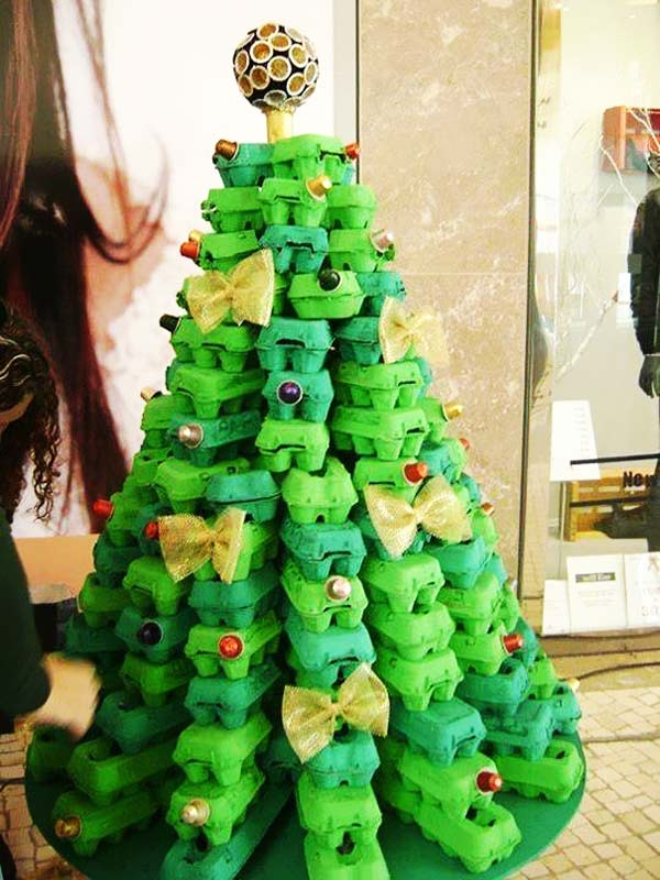 perierga.gr - Τα πιο περίεργα χριστουγεννιάτικα δέντρα!