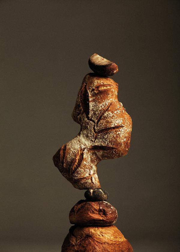 perierga.gr - Η πρωτότυπη τέχνη της εξισορρόπησης των... ψωμιών!