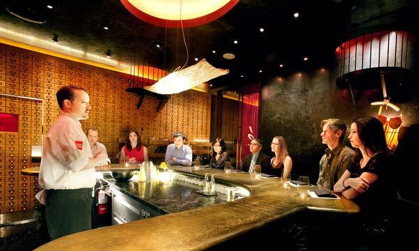 """perierga.gr - """"e"""": Ένα μίνι εστιατόριο για 8 άτομα!"""