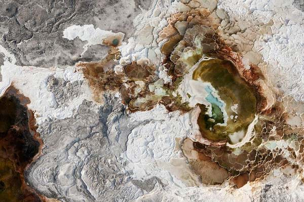 perierga.gr - Πετάει στους αιθέρες και φωτογραφίζει τη Γη από ψηλά!