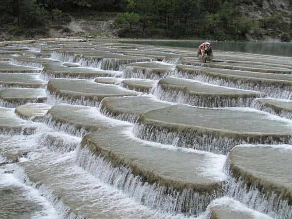 perierga.gr - Υπέροχοι υδάτινοι εξώστες στην Κίνα!