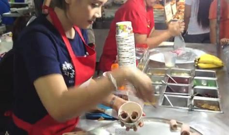 Perierga.gr - Εντυπωσιακή παρασκευή παγωτού στη Ταϊλάνδη!