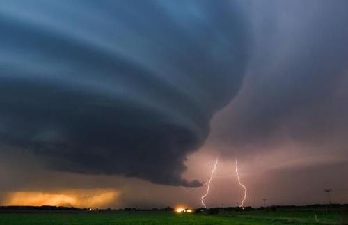 perierga.gr- Σούπερ καταιγίδες στους ουρανούς του κόσμου!