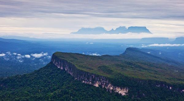 perierga.gr - Βουνά του κόσμου που μοιάζουν με... τραπέζια!
