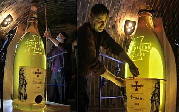 perierga.gr - Μπουκάλι κρασιού για Ρεκόρ Γκίνες!