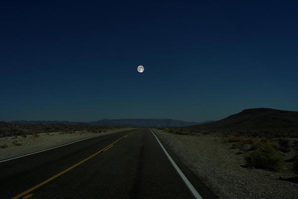 perierga.gr - Διαφορετικοί πλανήτες στη θέση του φεγγαριού!