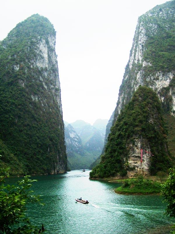 """perierga.gr - Ο πανέμορφος ποταμός των """"ποιητών και των ζωγράφων""""!"""