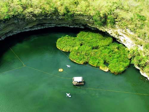 "perierga.gr - Η πιο βαθιά φυσική ""πισίνα"" στον κόσμο!"