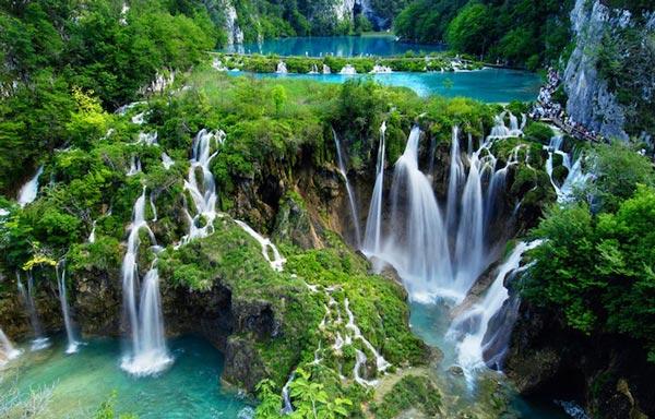 perierga.gr - Ταξίδι στα ωραιότερα υδάτινα τοπία του κόσμου!