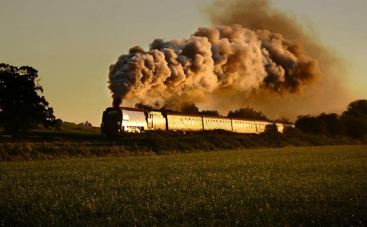 perierga.gr - Αιχμαλωτίζοντας την ομορφιά των τρένων!