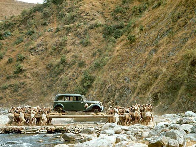 Perierga.gr - Δώρο του Χίτλερ το πρώτο αυτοκίνητο του Νεπάλ!