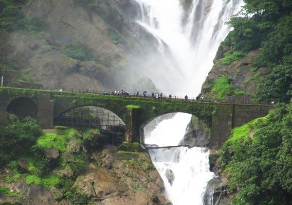 perierga.gr - Dudhsagar Falls: Μια «Θάλασσα γάλακτος»!