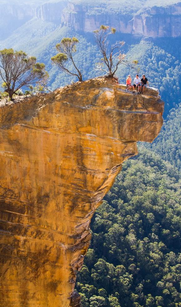 "perierga.gr - Κρεμαστοί βράχοι: Τα φυσικά ""μπαλκόνια"" της φύσης!"