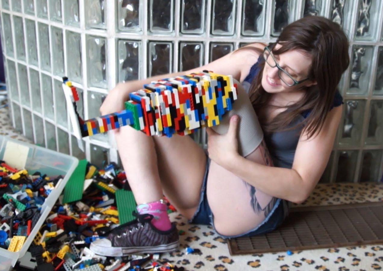 perierga.gr - Τεχνητό πόδι από... Lego!