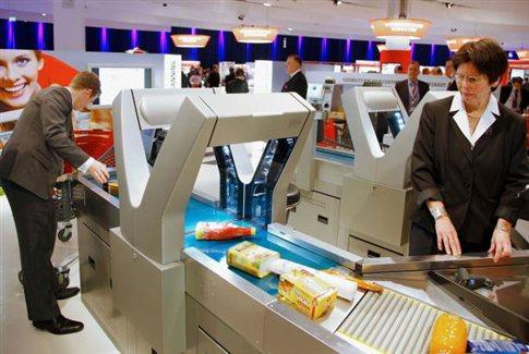 Perierga.gr - Σαρωτής καταργεί την ουρά στο super market