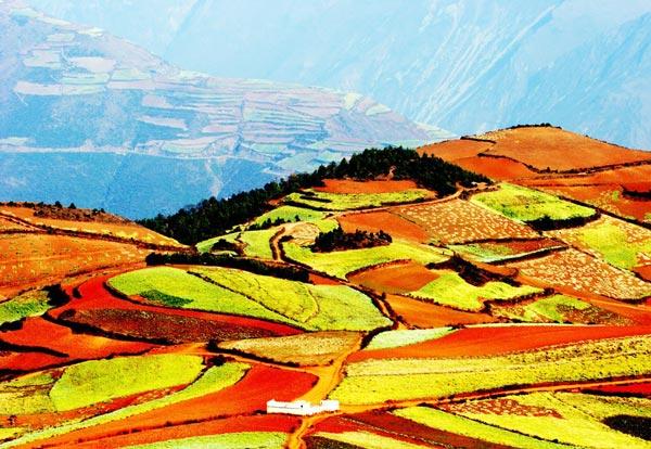 "perierga.gr - Lexiaguo: Η ""κόκκινη γη"" της Κίνας!"