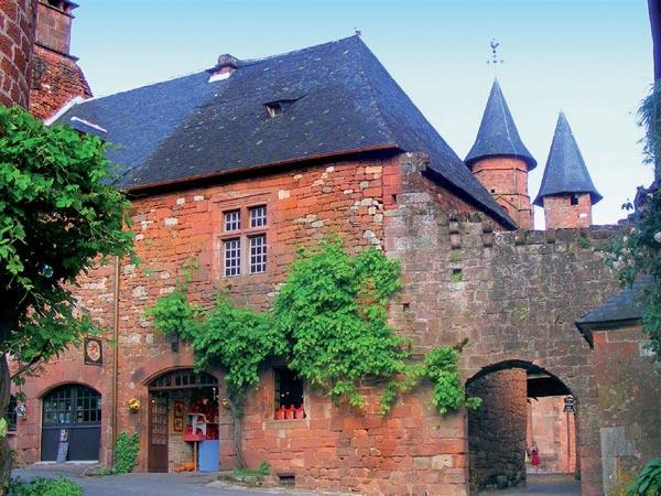 perierga.gr - Collonges la Rouge: Το κόκκινο χωριό της Γαλλίας!