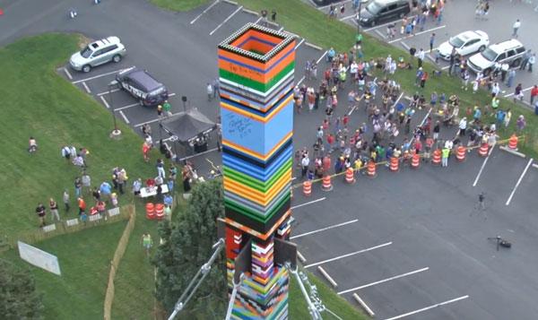 Perierga.gr - Ο ψηλότερος πύργος από Lego