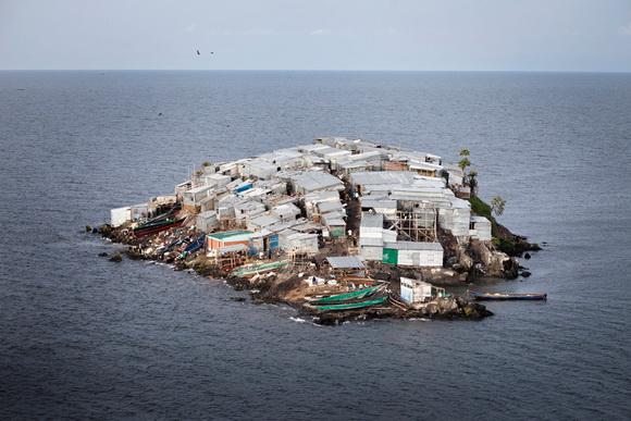 Perierga.gr -  Άγνωστα νησιά χωρίς... τεταγωνικό ελεύθερο!