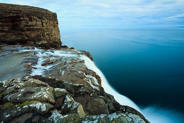 perierga.gr - Sorvagsvatn Lake: Μια λίμνη πάνω στον ωκεανό!