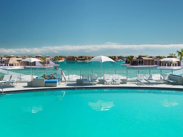 "perierga.gr - ""Το λουλούδι του ωκεανού"": Ένα συναρπαστικό ξενοδοχείο!"