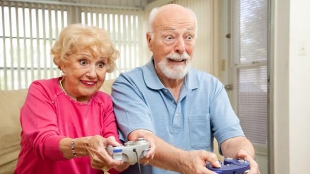 perierga.gr - Τα videogames «γυμνάζουν» τον εγκέφαλο ηλικιωμένων