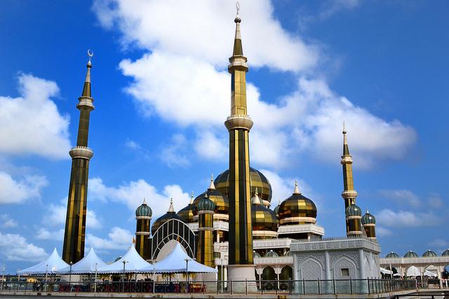 perierga.gr - Κρυστάλλινο... τζαμί κερδίζει τις εντυπώσεις!