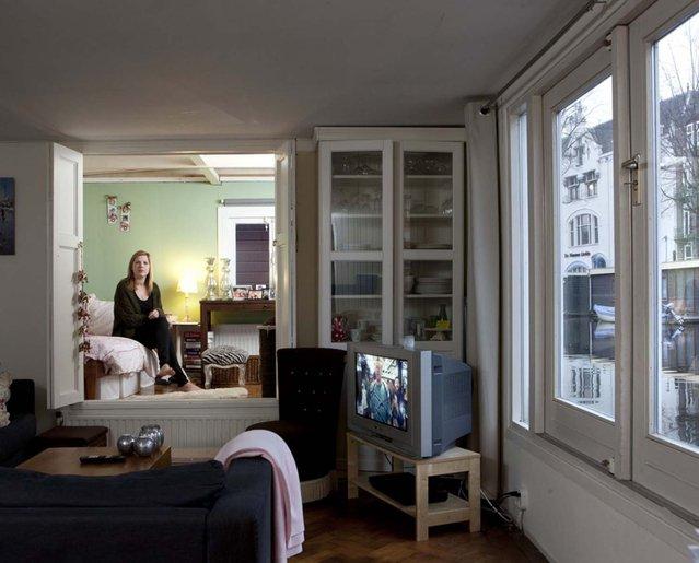 perierga.gr - Γυναίκες του κόσμου φωτογραφίζονται στα δωμάτιά τους!