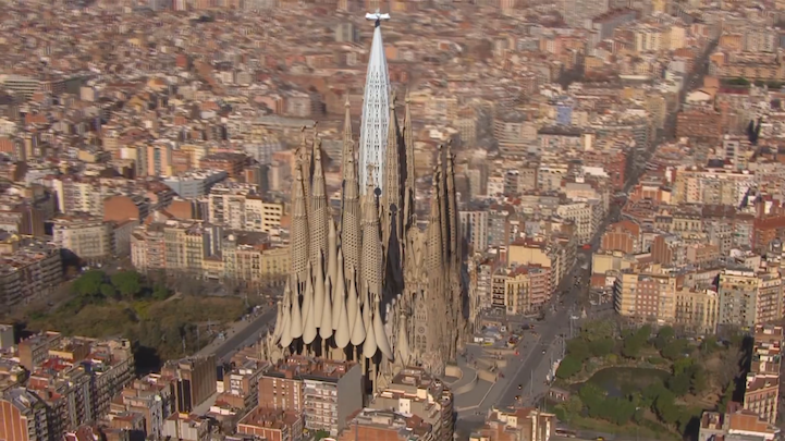 perierga.gr - Πώς θα είναι η Sagrada Familia το 2026!