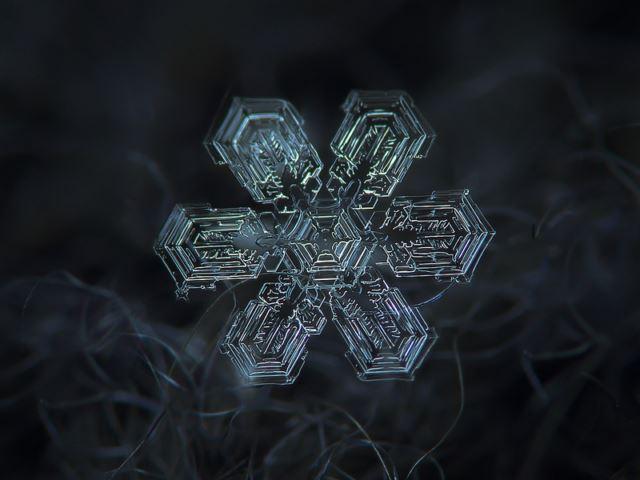 perierga.gr - Η ομορφιά των νιφάδων του χιονιού από πολύ κοντά!