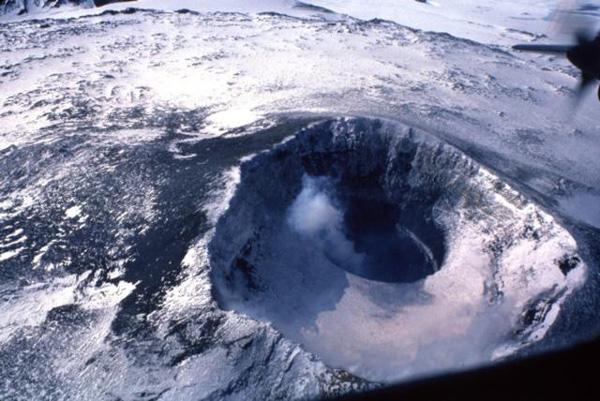 perierga.gr - Ενεργό ηφαίστειο ανακαλύφθηκε στην Ανταρκτική!