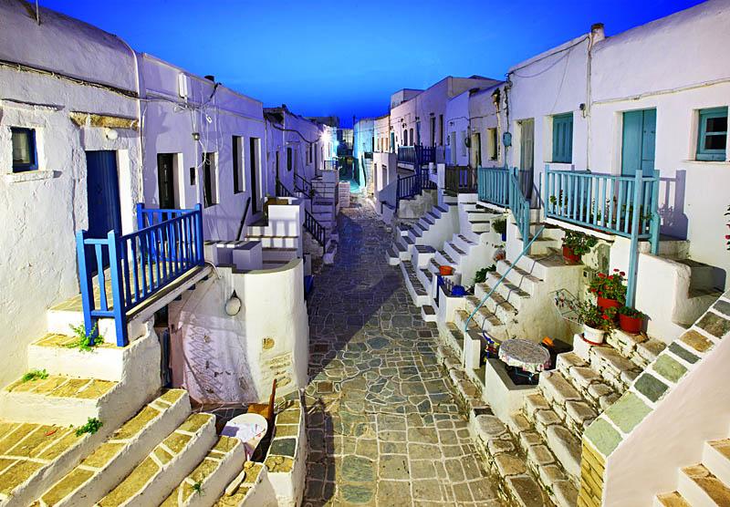 perierga.gr - Φολέγανδρος: Στη λίστα του CNN με τα 7 ομορφότερα χωριά στον κόσμο!