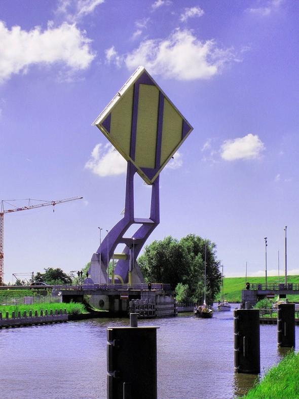 """perierga.gr - Η καταπληκτική """"ιπτάμενη""""… γέφυρα της Ολλανδίας!"""