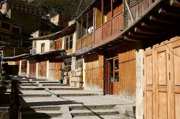 perierga.gr - Masouleh: Το χωριό με τα «σκαλισμένα» σπίτια!