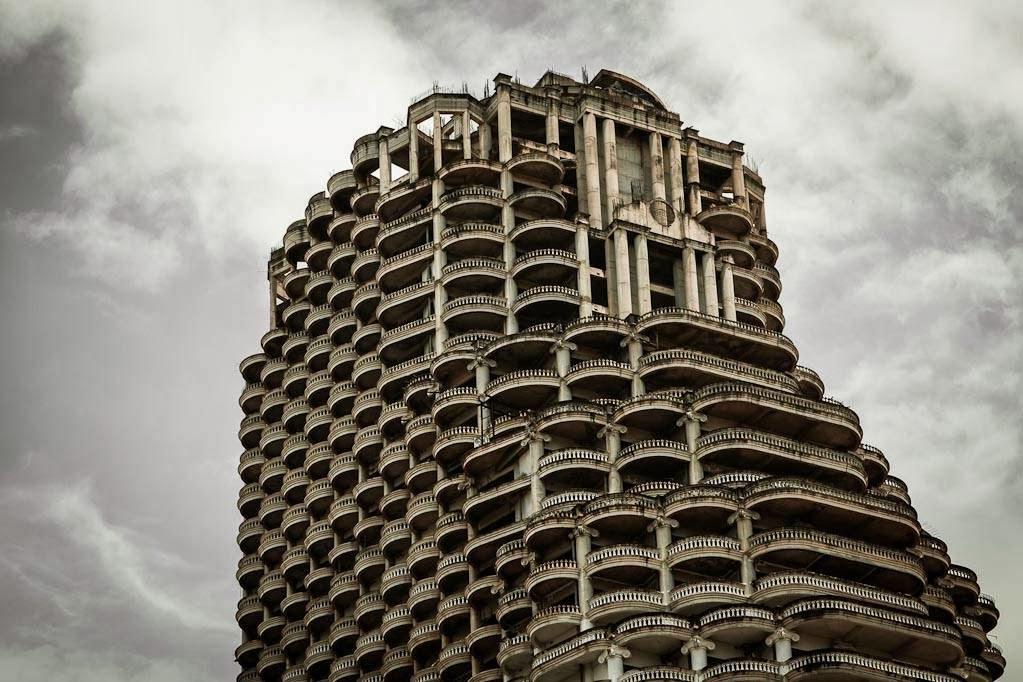 "perierga.gr - Ghost Tower: Ο ""στοιχειωμένος"" ουρανοξύστης της Σαγκάης!"