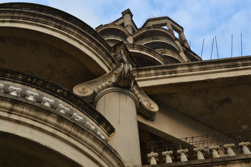 "perierga.gr - Ghost Tower: Ο ""στοιχειωμένος"" ουρανοξύστης της Μπανγκόκ!"