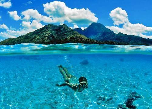 perierga.gr - O κόσμος πάνω και κάτω από τον ωκεανό την ίδια στιγμή!
