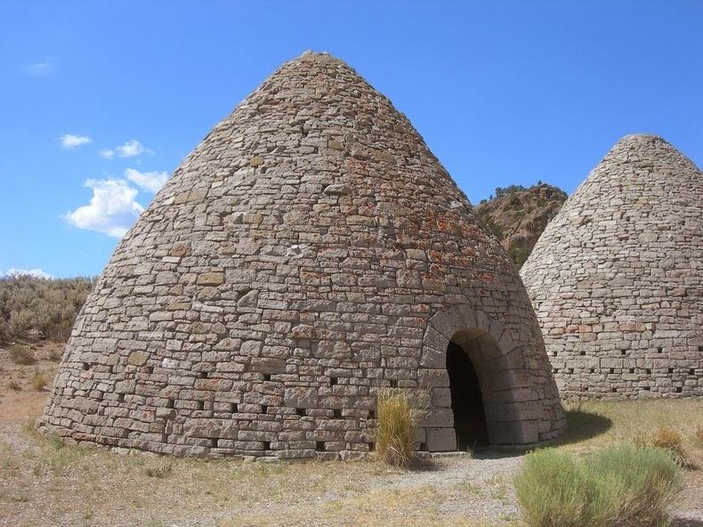 perierga.gr - Πανύψηλοι πέτρινοι φούρνοι εκπλήσσουν!