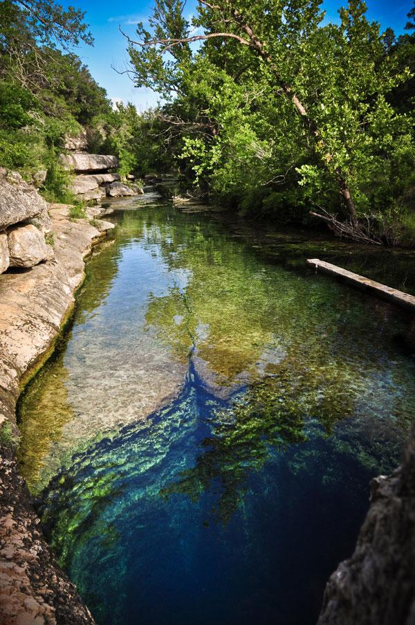perierga.gr - Το «πηγάδι του Ιακώβ»: Ένα από τα πιο επικίνδυνα μέρη στη Γη!