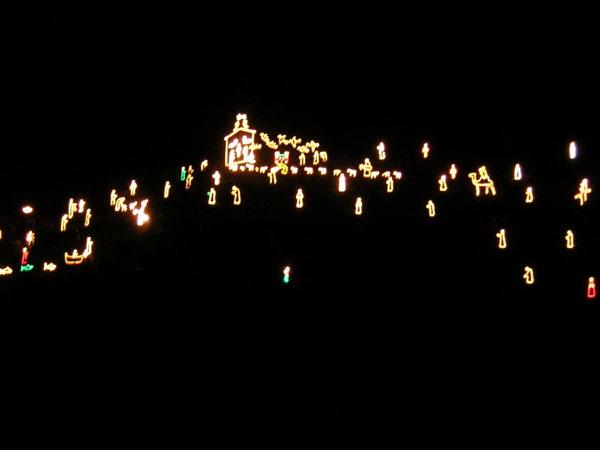 perierga.gr - Manarola: Ένα χωριό σαν χριστουγεννιάτικο δέντρο!